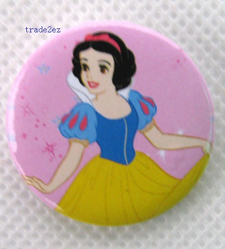 Snow White love Badge Button Pin 3 cm Gift